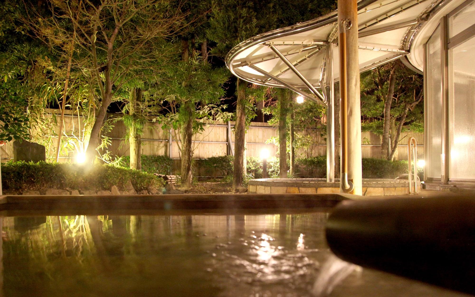 露天風呂 - 山口県 萩市|世界遺産[萩城下町]唯一の旅館 萩城三の丸 北門屋敷