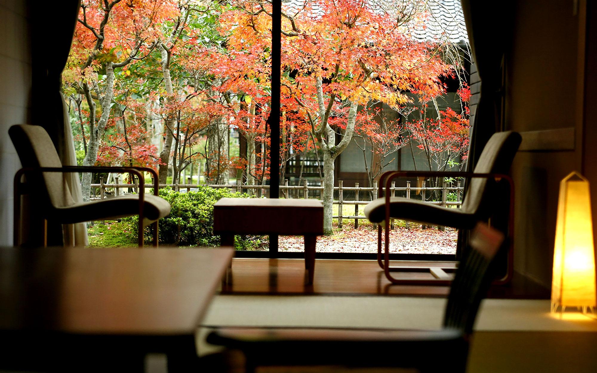 9月 客室紅葉 - 山口県 萩市 世界遺産[萩城下町]唯一の旅館 萩城三の丸 北門屋敷